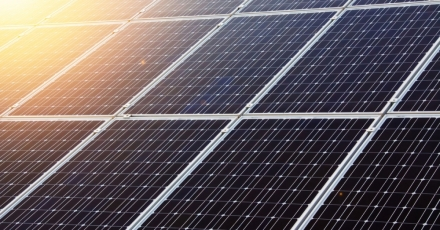 4.200 zonnepanelen op distributiecentrum gevelfabrikant