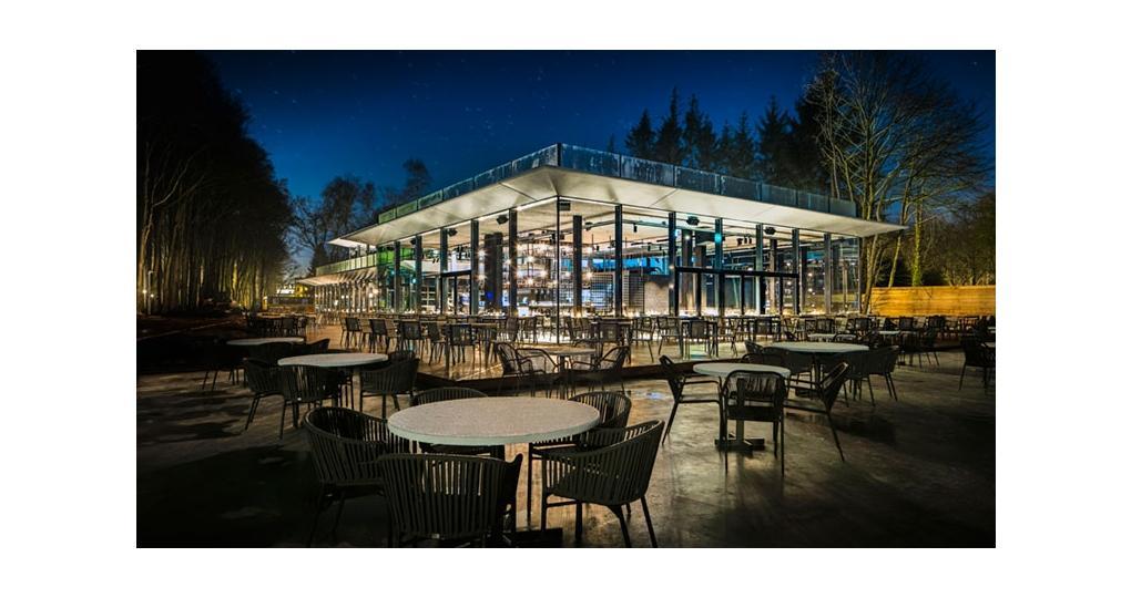 Aangenaam klimaat voor fors paviljoen van glas