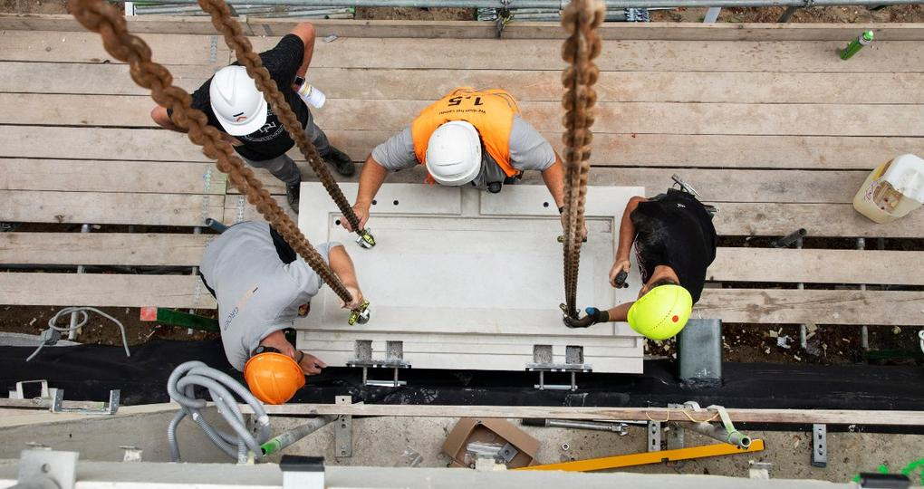 Balkons droog aan casco verbinden