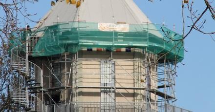 Dak watertoren zuivert lucht