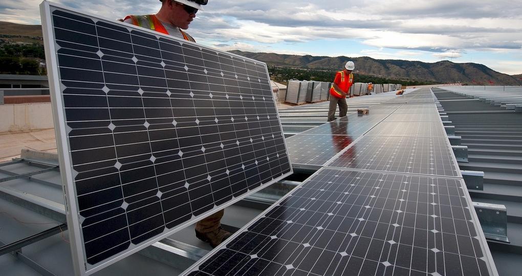 De uitdagingen van zonne-energie op zakelijk vastgoed