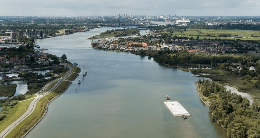 Drijvend kantoor in Rotterdam is veel meer dan energieneutraal
