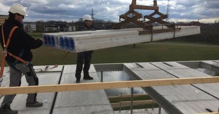 Eerste cementloze kanaalplaat voor kantoorgebouw Hengelo