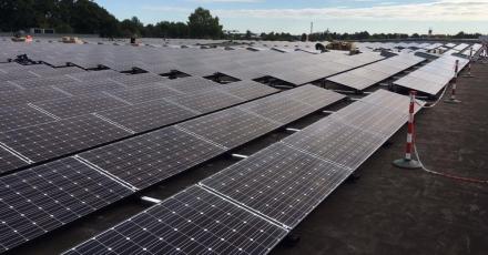 Eerste Nederlandse datacenter met zonnepanelen
