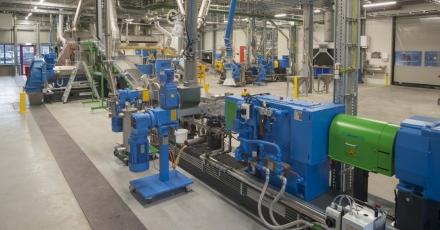 Eerste vloer uit duurzame fabriek Coevorden