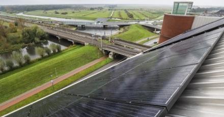 Energiebedrijf wekt zelf zonne-energie op