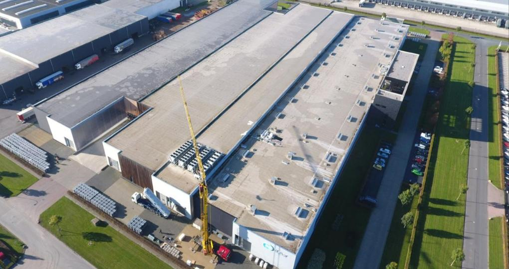 Europa's grootste glas-glas zonnepanelenproject bij Waalwijks familiebedrijf