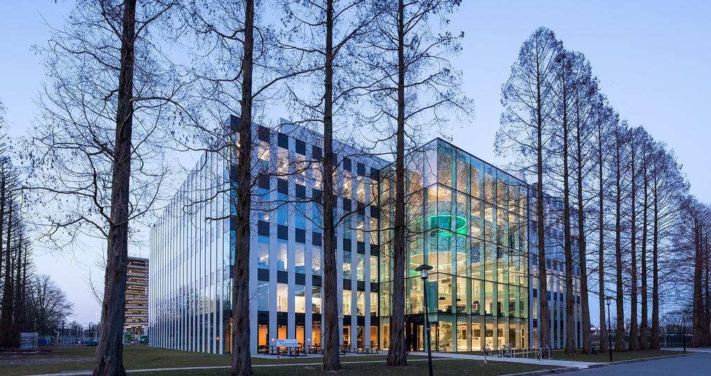 Flexibel in te delen hoofdkantoor biotechbedrijf