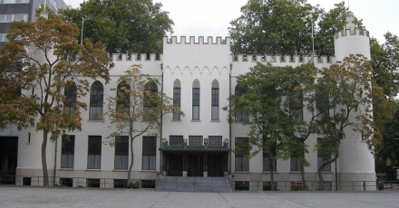 Gemeente geeft gebouwbeheer en -onderhoud uit handen