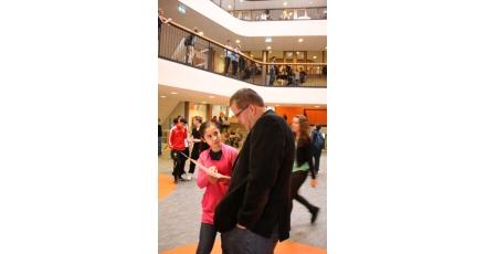 Leerlingen meten duurzaamheid nieuw schoolgebouw Calvijn