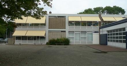 'Doel: volgend schooljaar 10 NOM-schoolgebouwen'
