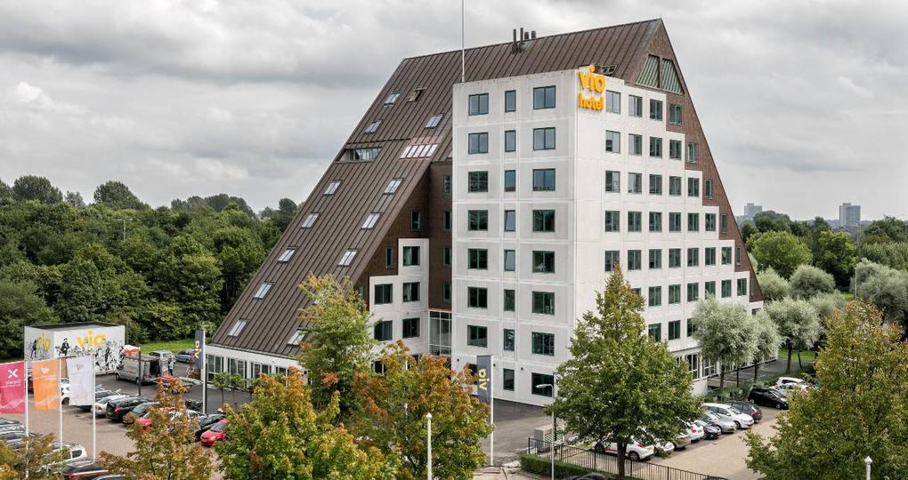 Oude kantoren getransformeerd tot nieuw 'dorp' in Diemen-Zuid