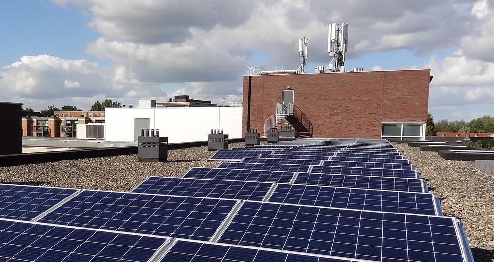 Solar Smart Grid-installatie verdeelt stroom flexibel onder bewoners
