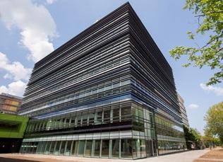 Transparant en duurzaam onderwijsgebouw in Utrecht