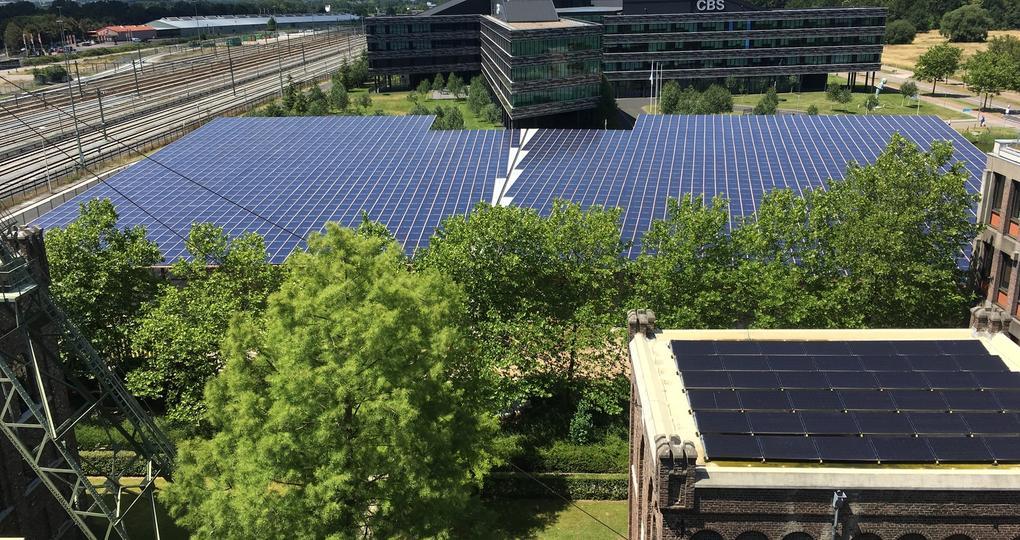 Tweede parkeerdek CBS-gebouw krijgt 3500 lichtdoorlatende pv-panelen