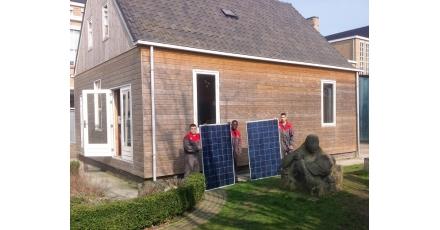 Vmbo'ers bouwen duurzaam 'Huis van de Toekomst'