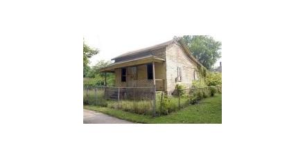 Vrouw koopt huis voor 1,75 dollar