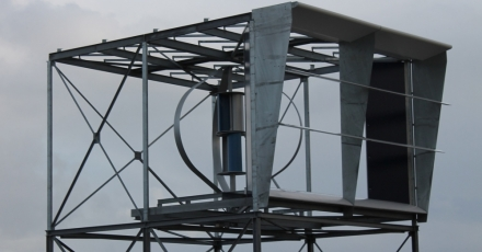 'Windtunnel' op hoog gebouw wekt ook zonne-energie op