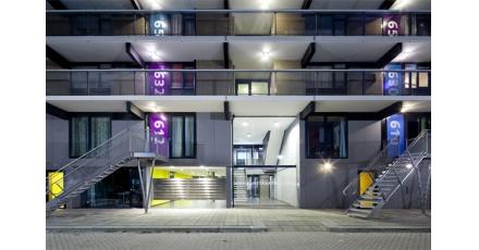 Zestiger jaren flatgebouw 'Moerbosch' Apeldoorn straalt weer