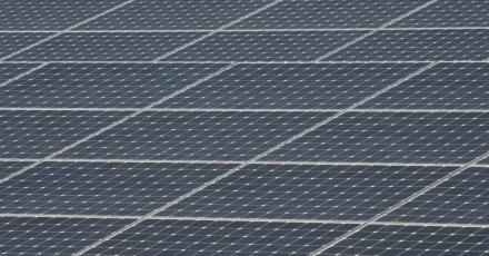 Zonnepanelen op provinciale gebouwen Friesland