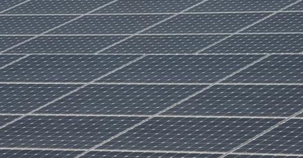 Zonnepark op distributiecentrum elektrotechnische groothandel